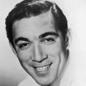 Anthony Quinn,  sinema oyuncusu (DY-1915)
