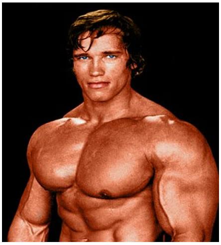 Arnold Schwarzenegger, sinema oyuncusu, sporcu ve eski siyasetçi tarihte bugün