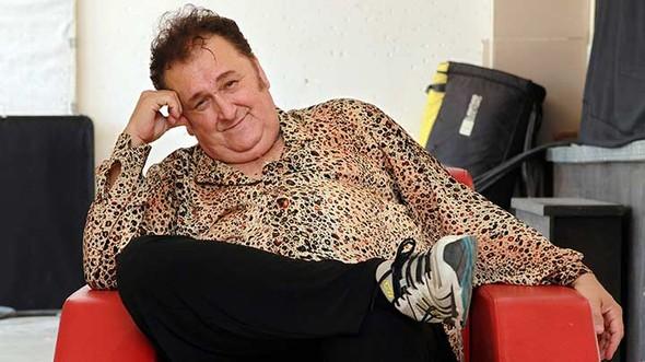 Müzisyen, gitarist Asım Can Gündüz, evinde geçirdiği kalp krizi sonucu hayatını kaybetti. tarihte bugün