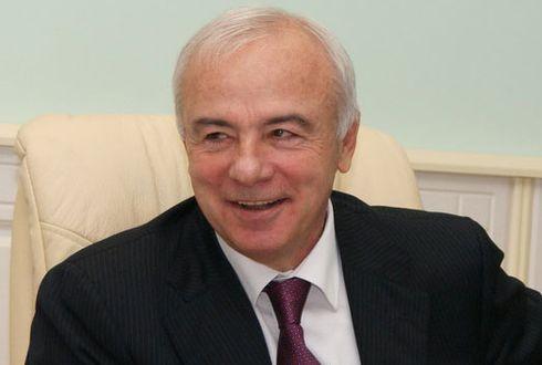 Aslan Tkhakushinov Siyasetçi Doğumu