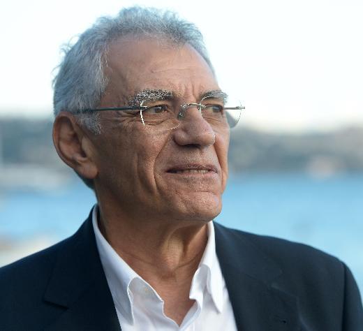 Müzisyen Atilla Özdemiroğlu, 73 yaşında yaşamını yitirdi.  tarihte bugün