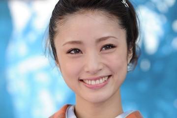 Aya Ueto, Japon şarkıcı, oyuncu tarihte bugün