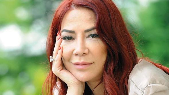 Karikatürist Tekin Aral'ın kızı, gazeteci yazar Ayşe Aral Kalp rahatsızlığı nedeniyle hayatını kaybetti. tarihte bugün