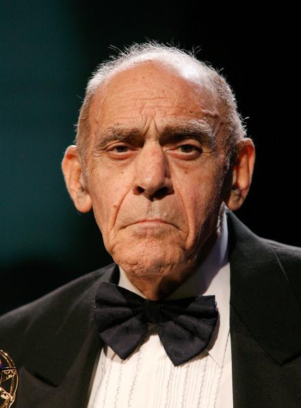 Abe Vigoda 94 yaşında hayatını kaybetti. Baba filmindeki Sal Tessio rolüyle tanınıyordu. tarihte bugün