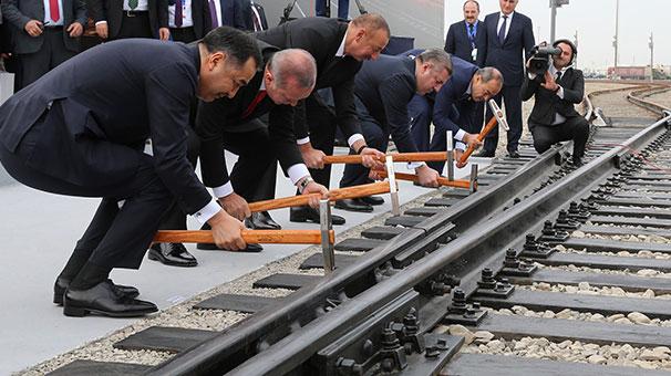 Bakü Tiflis Kars Demiryolu Hattı Açıldı