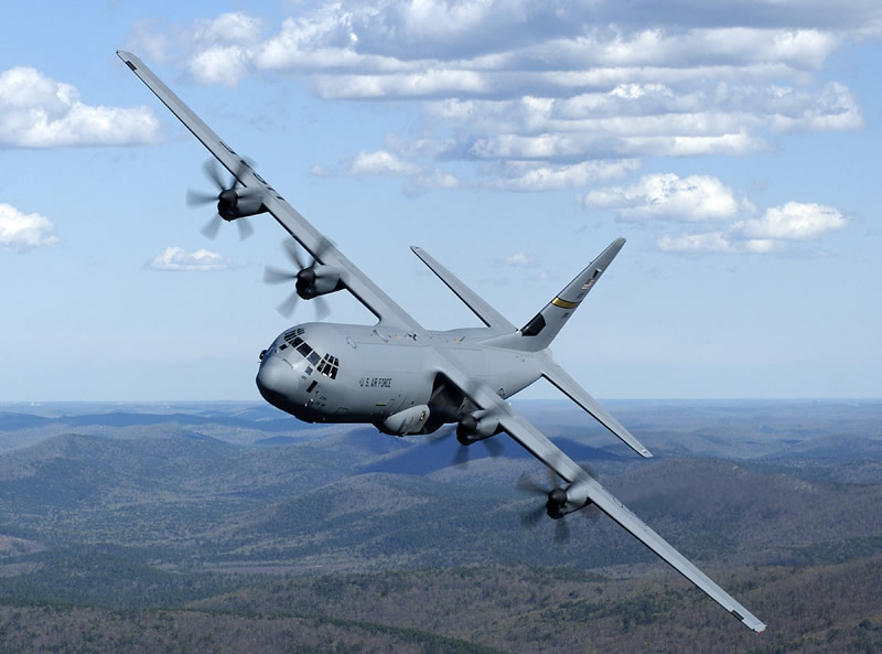 Cezayir'in kuzeydoğusunda Hercules C-130 tipi askeri nakliye uçağı düştü. 103 kişi hayatını kaybetti. tarihte bugün