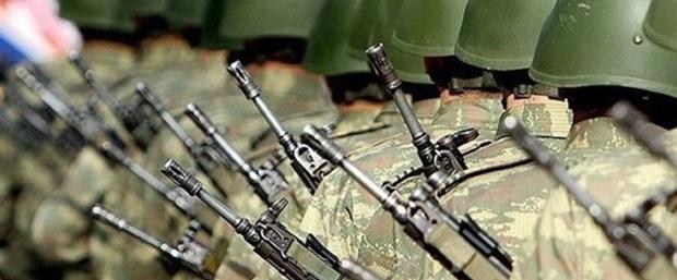 Bedelli askerlik kanun teklifi, TBMM Genel Kurulu'nda kabul edilerek yasalaştı. 1 Ocak 1994'ten önce doğanlar 15 bin TL, 21 gün eğitim ile askerliklik görevlerini yapabilecek. tarihte bugün