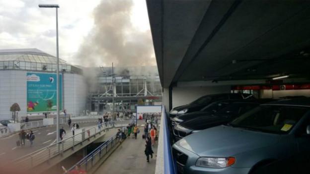 Belçika'nın başkenti Brüksel'deki Zaventem Uluslararası Havalimanı'nda iki patlama yaşandı. Daha sonra metroda 1 patlama oldu. Saldırılarda 34 kişi öldü, 136 kişi ağır yaralandı tarihte bugün