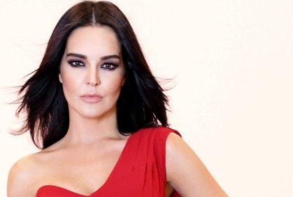 Bengü, Türk pop şarkıcı