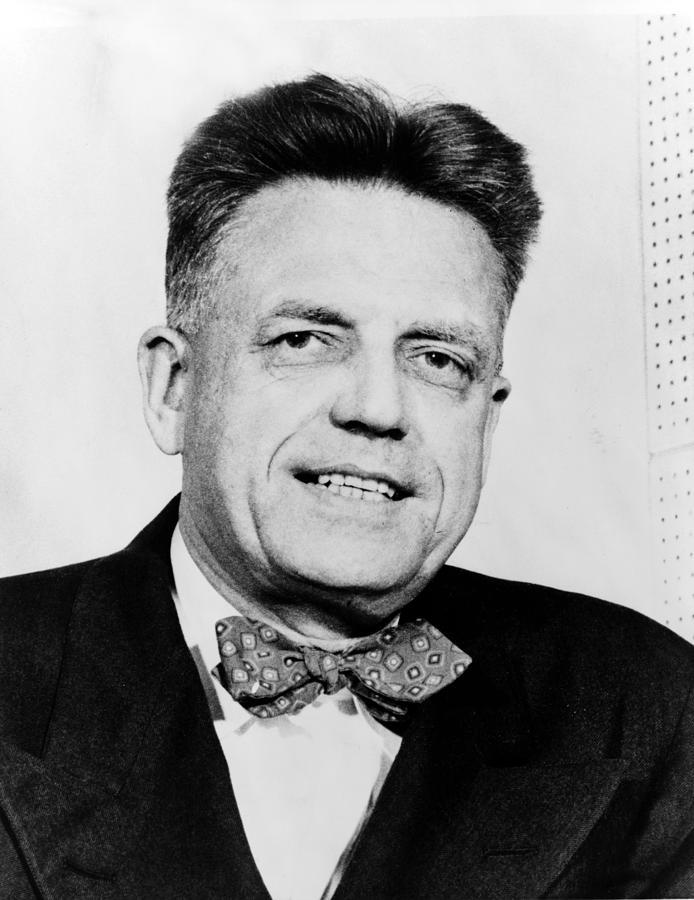 Alfred Kinsey, Amerikalı biyolog, zooloji profesörü (ÖY-1956) tarihte bugün