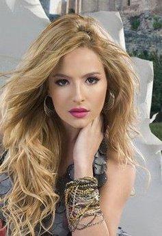 Brenda Asnicar, Arjantinli oyuncu, model