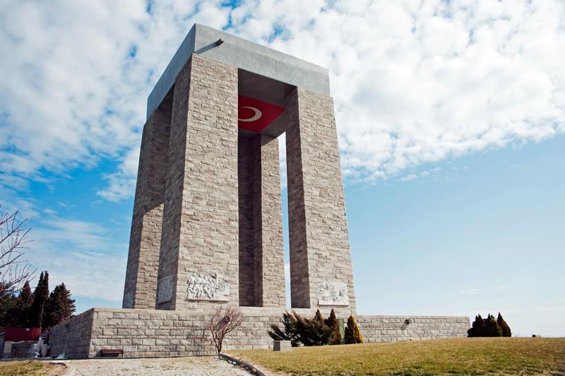 Çanakkale Anıtı törenle açıldı. tarihte bugün