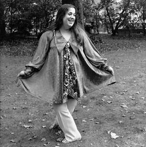 Cass Elliot , Amerikalı şarkıcı (DY-1941) tarihte bugün