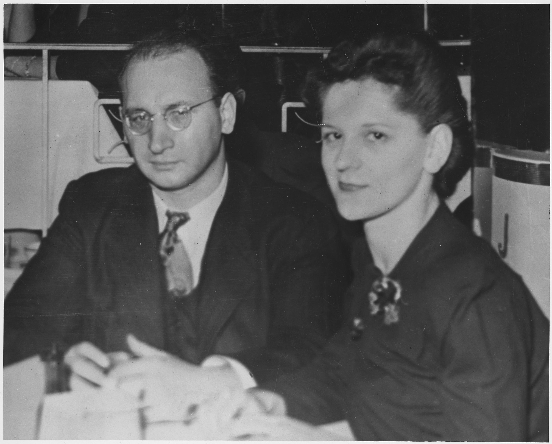 Casuslar Ethel Ve Julius Rosenberg öldü