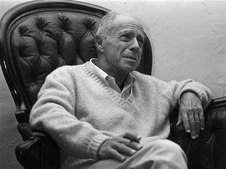 Claude Simon, Fransız yazar ve Nobel Edebiyat Ödülü sahibi (ÖY-2005) tarihte bugün