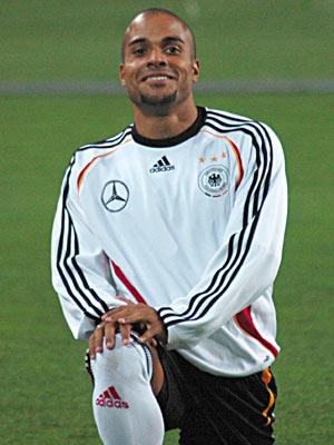 David Odonkor, Alman futbolcu tarihte bugün