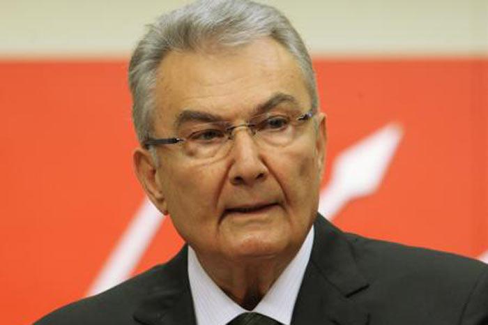 Deniz Baykal, siyasetçi, CHP eski genel başkanı tarihte bugün