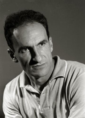 Eduardo Chillida, heykeltraş ve ressam (DY-1924) tarihte bugün