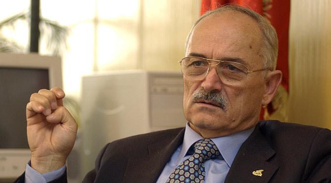 Ekrem Pakdemirli, siyasetçi, eski bakan yaşamını yitirdi. tarihte bugün