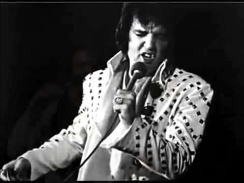 Elvis Presley, Amerikalı şarkıcı, müzisyen ve aktör (ÖY-1977) tarihte bugün