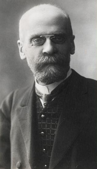 Emile Durkheim, Fransız sosyolog (DY-1858) tarihte bugün