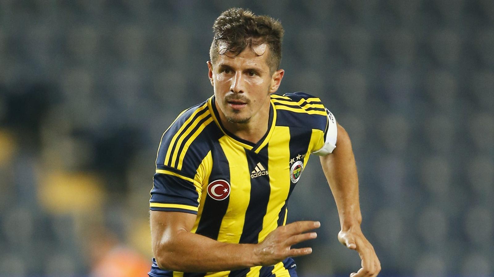 Emre Belözoğlu, Türk futbolcu tarihte bugün