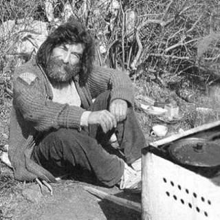 Sultan-ı Yegah adlı şarkının da bestecisi olan müzisyen Ergüder Yoldaş öldü. tarihte bugün