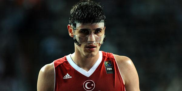 Ersan ilyasova, milli basketbolcu tarihte bugün