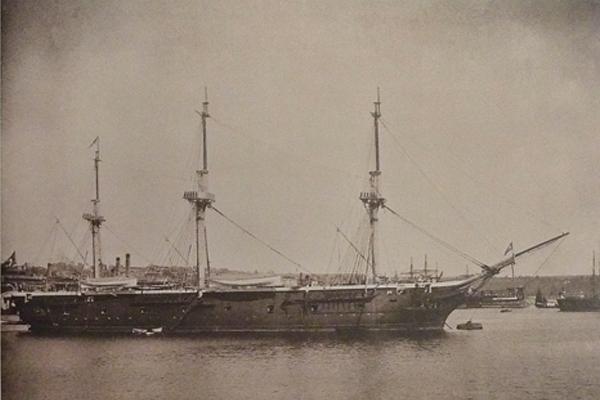 Ertuğrul fırkateyni, Japon sularında şiddetli bir fırtınada battı; 540 denizci öldü. tarihte bugün