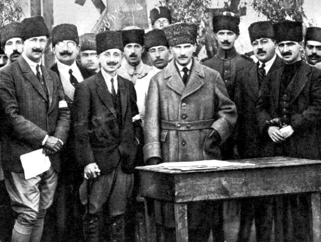 Erzurum Kongresi başladı. Mustafa Kemal Erzurum Kongresi'ne başkan seçildi. tarihte bugün