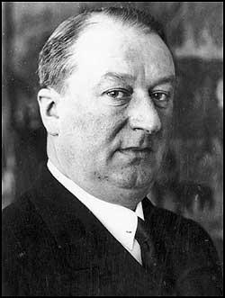 Ettore Bugatti, italyan otomobil üreticisi (ÖY-1947)