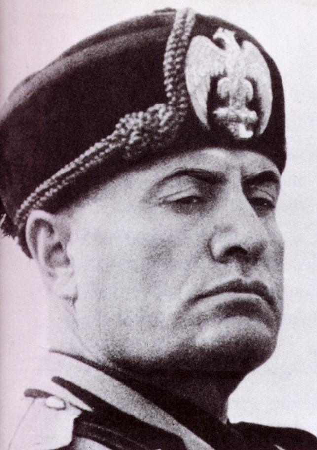 İtalyan faşizminin kurucusu Benito Mussolini doğdu.  tarihte bugün