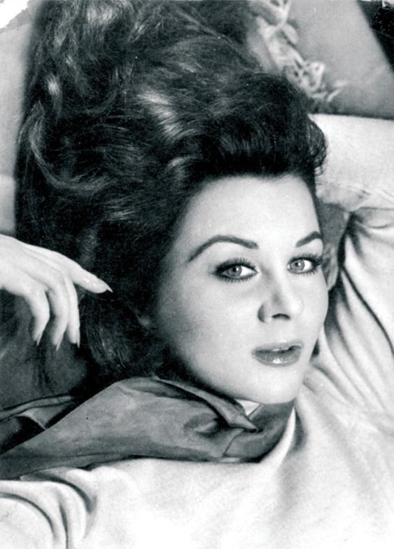 Fatma Girik, sinema oyuncusu tarihte bugün
