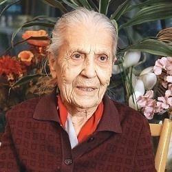 Fatma Refet Angın, Türkiye Cumhuriyeti ilk kadın öğretmenlerinden (DY-1915) tarihte bugün