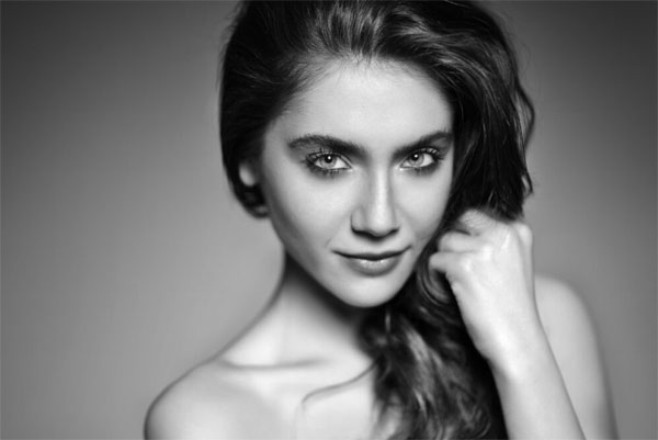 Fulya Zenginer, dizi oyuncusu tarihte bugün