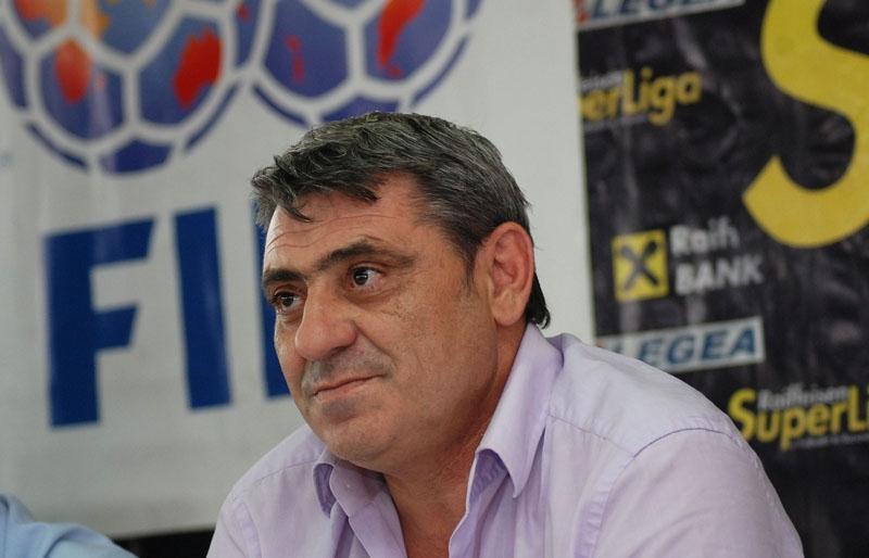 Fadil Vokrri, Arnavut futbolcu tarihte bugün