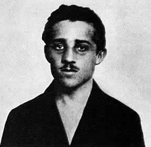 Gavrilo Princip. Avusturya-Macaristan veliahtı Arşidük Francis Ferdinand'ı öldürerek, I. Dünya Savaşı'nın başlamasına neden olan  Sırp milliyetçisi. tarihte bugün
