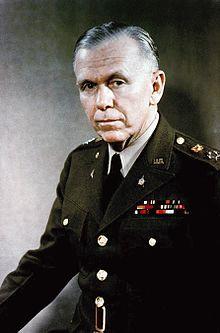 2. Dünya Savaşı sonrası kendi ismi ile anılan yardım planını hazırlayan Amerikalı asker ve devlet adamı George Marshall. tarihte bugün