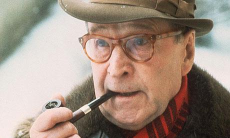 Georges Simenon, Belçikalı polisiye yazarı (DY-1903) tarihte bugün