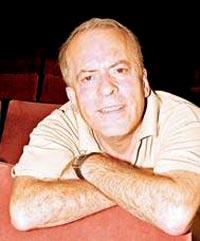 Hadi Çaman, tiyatro sanatçısı (ÖY-2008) tarihte bugün