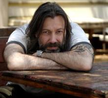 Hakan Karahan, şair, oyuncu, film yapımcısı.