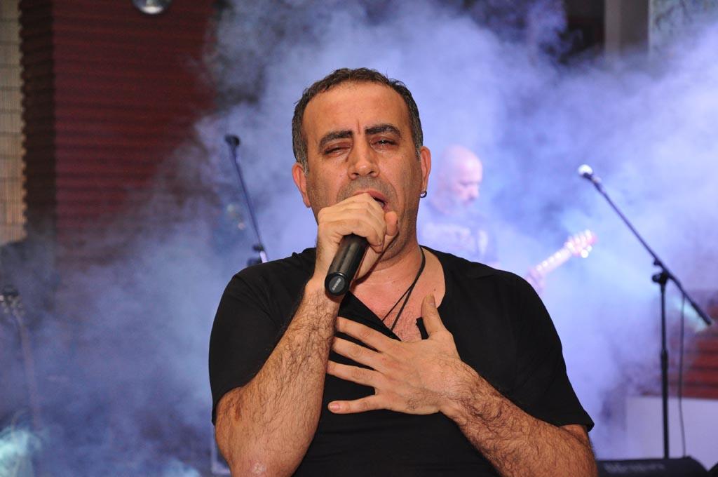 Haluk Levent, Anadolu rock şarkıcısı tarihte bugün
