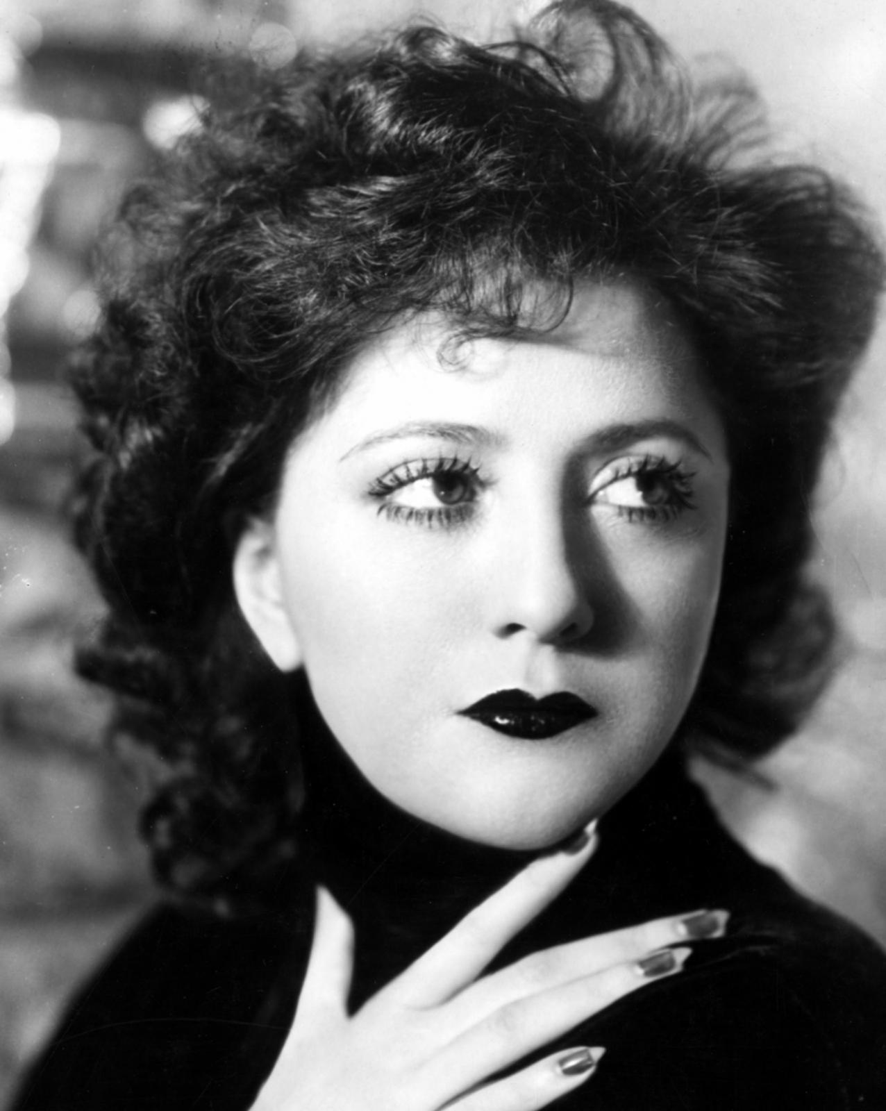 Helen Morgan, şarkıcı ve aktris (DY-1900) tarihte bugün