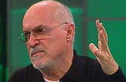 Hıncal Uluç, gazeteci ve yazar