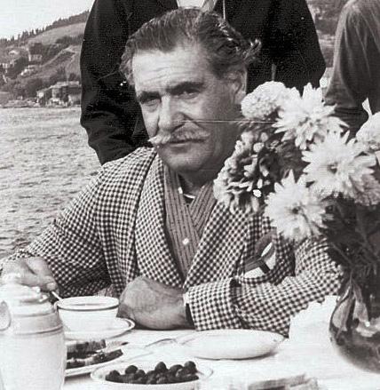 Hulusi Kentmen, tiyatro ve sinema oyuncusu (ÖY-1993) tarihte bugün