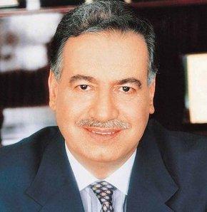 Ünlü iş adamı, akademisyen, İhlas Holding'in kurucusu ve ilk başkanı Enver Ören  beyin kanaması nedeniyle hayatını kaybetti. tarihte bugün