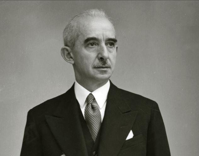 Türkiye Cumhuriyeti'nin ikinci cumhurbaşkanı İsmet İnönü. tarihte bugün
