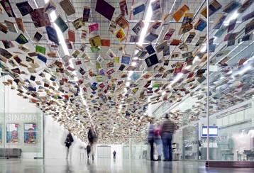 Türkiye ilk modern sanat müzesi, istanbul Modern Sanat Müzesi açıldı. tarihte bugün