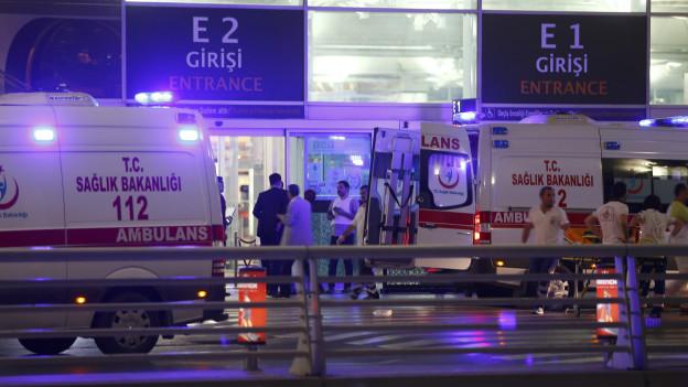 İstanbul Atatürk Havalimanı'nda 3 canlı bomba patladı! 42 kişi hayatını kaybetti, 239 yaralı var. tarihte bugün