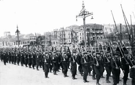 İstanbul'un Kurtuluşu. Şükrü Naili Paşa komutasındaki Türk birlikleri, 5 yıl süren işgali resmen sonlandırdı. tarihte bugün